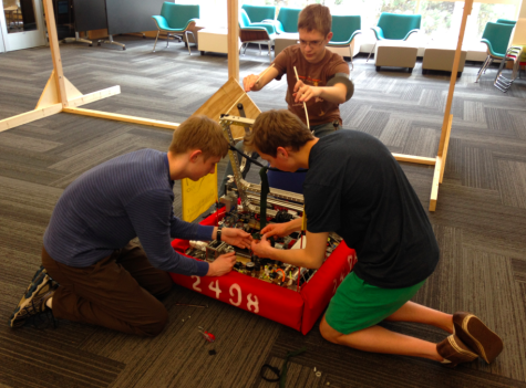 Robotics prepare for state competition on May 17th!