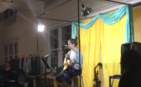 Hazel DeHapporte '19 performs at Open Mic Night on November 10th.