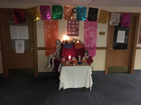 Ofrenda celebrates Dia de los Muertos