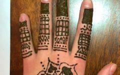 D.I.Y. Applying Henna