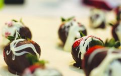 Chocolate Covered Strawberries with White Chocolate Drizzle Recipe