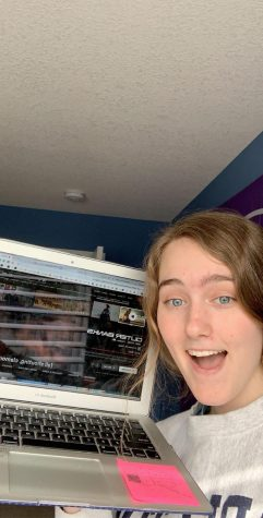 Kelly Dayton '22 is enjoying watching Outer Banks on Netflix.