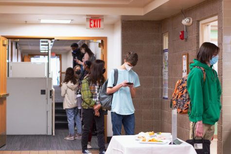 Students have noticed shorter wait times during lunch, despite the lack of staggered release times from first semester.