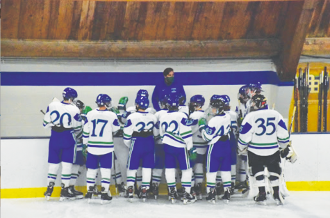 Dressen addresses the team before the start of the game.
